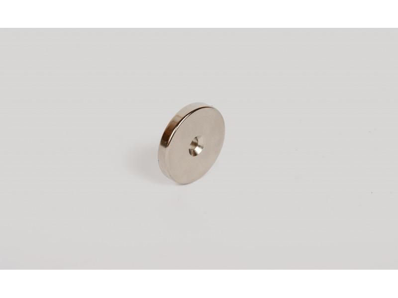 Неодимовий магніт кільце 30x5мм з зенковкой 4.5/7.5мм