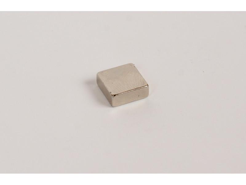Неодимовый магнит квадрат 10х10х4мм