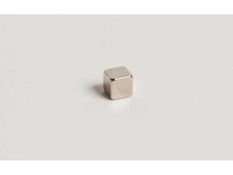 Неодимовый магнит куб 5х5х5мм