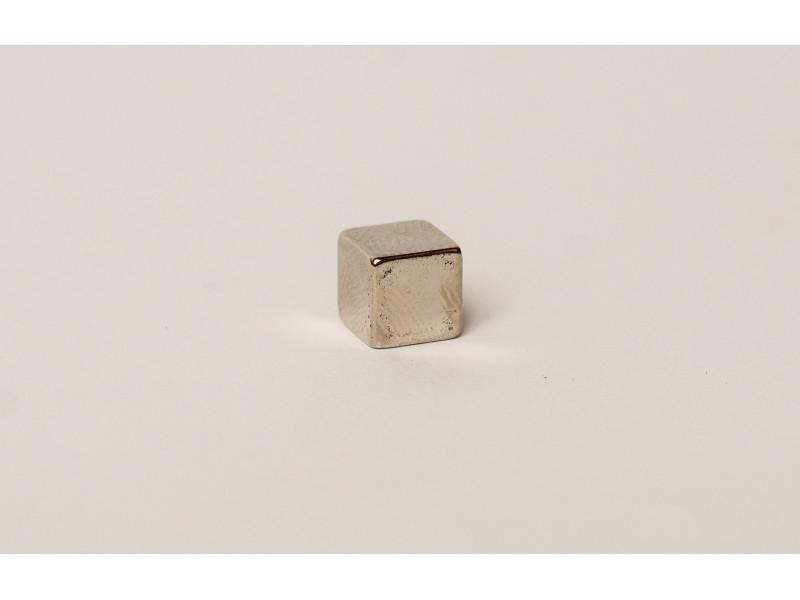 Неодимовий магніт куб 7х7х7мм