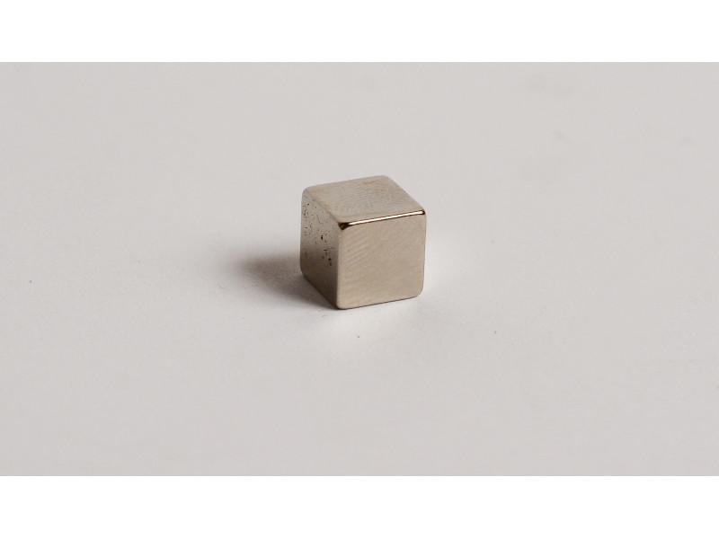 Неодимовый магнит куб 8х8х8мм