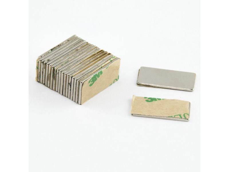Неодимовый магнит прямоугольник с самоклейкой 20х10х1 мм