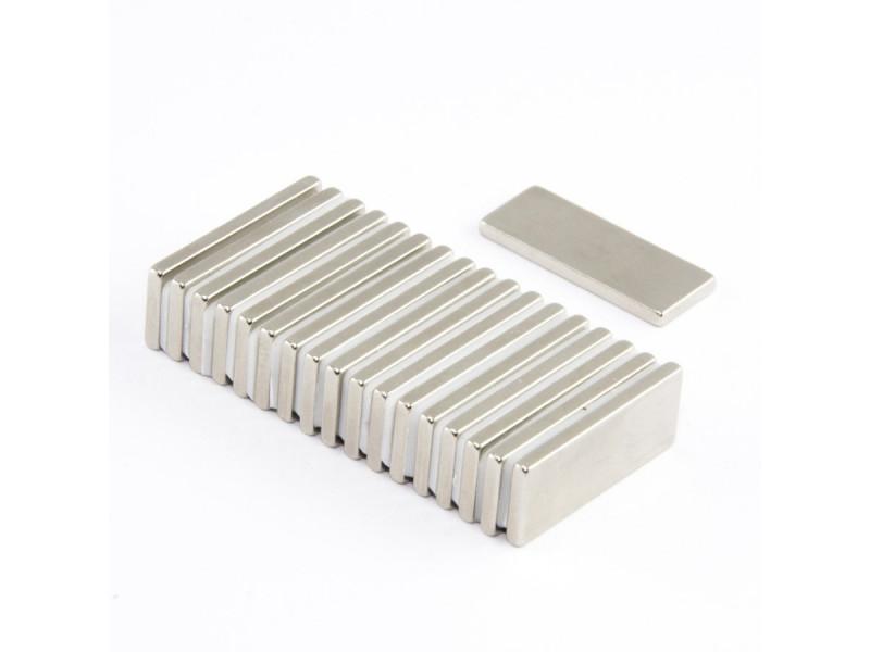Неодимовый магнит прямоугольник 25х10х2мм