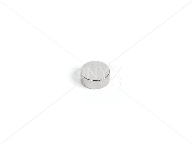 Неодимовый магнит малый диск (шайба) 8х5мм