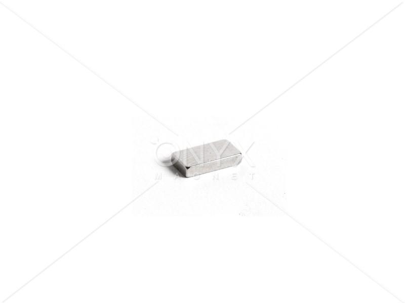 Неодимовый магнит прямоугольник 10х5х2мм
