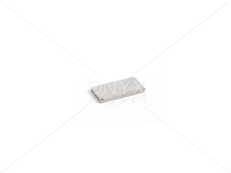 Неодимовый магнит прямоугольник 20х10х2мм