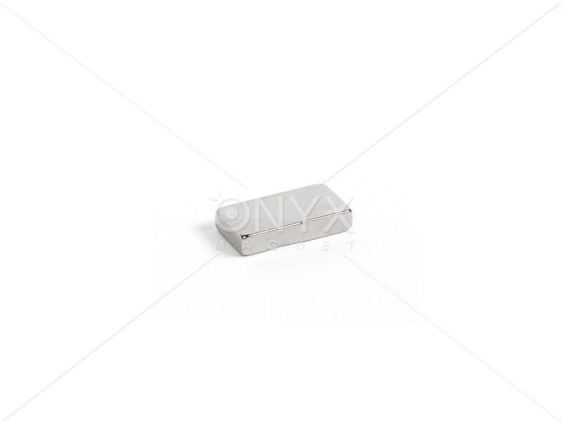 Неодимовий магніт прямокутник 20х10х4мм