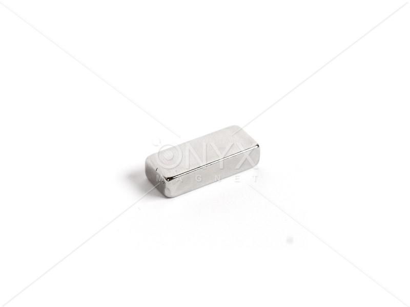 Неодимовый магнит прямоугольник 25х10х6мм