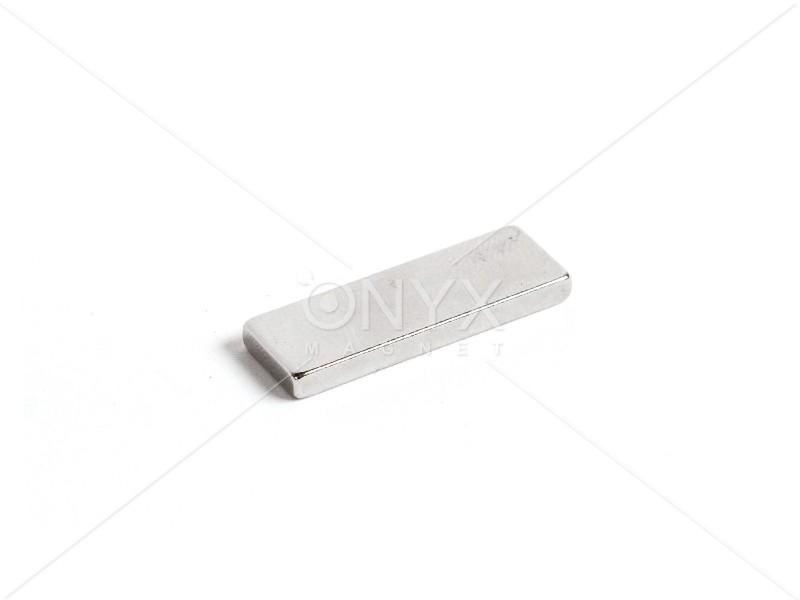 Неодимовий магніт прямокутник 30х10х3мм