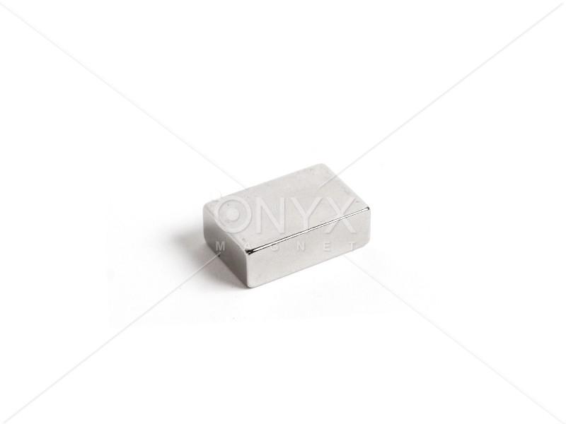 Неодимовий магніт прямокутник 30х20х10мм